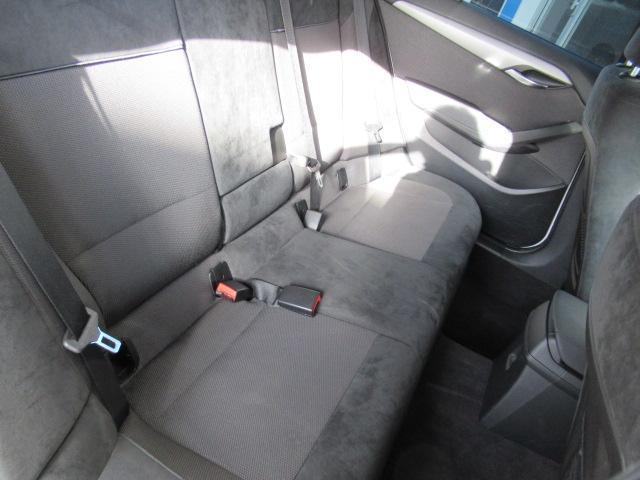 xDrive 20i Mスポーツ 4WD HID 純正ナビ(15枚目)
