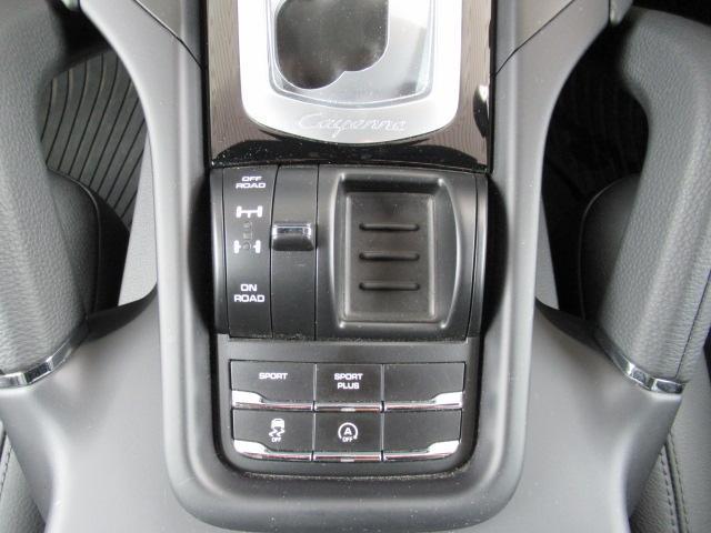 ベースグレード 4WD 1オーナー スポーツクロノ SDナビ(7枚目)