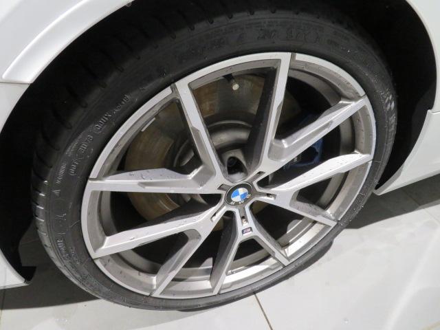 M850i xDriveクーペ 当社デモカー V8 4400ccエンジン ナイトビジョン B&Wサウンド 純正20インチアロイホイール レーザーライト xDrive(8枚目)