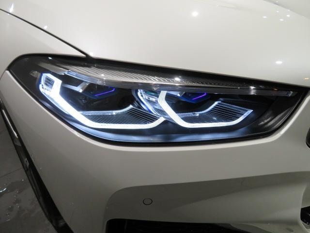 M850i xDriveクーペ 当社デモカー V8 4400ccエンジン ナイトビジョン B&Wサウンド 純正20インチアロイホイール レーザーライト xDrive(10枚目)