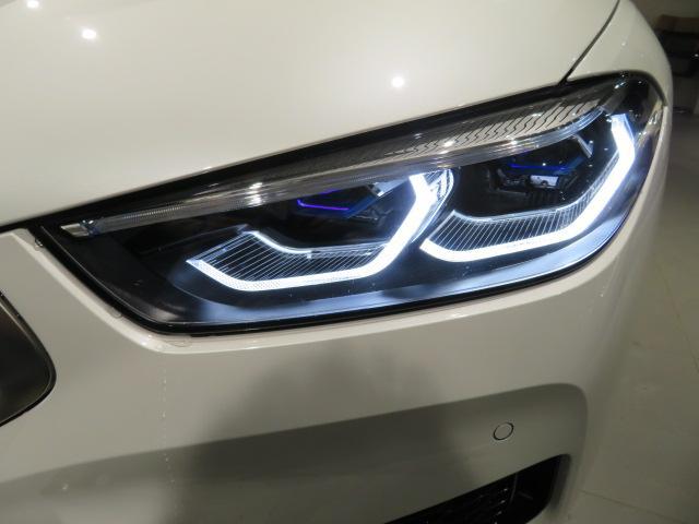 M850i xDriveクーペ 当社デモカー V8 4400ccエンジン ナイトビジョン B&Wサウンド 純正20インチアロイホイール レーザーライト xDrive(11枚目)