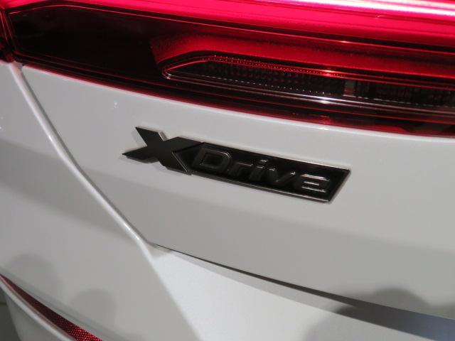 M850i xDriveクーペ 当社デモカー V8 4400ccエンジン ナイトビジョン B&Wサウンド 純正20インチアロイホイール レーザーライト xDrive(19枚目)