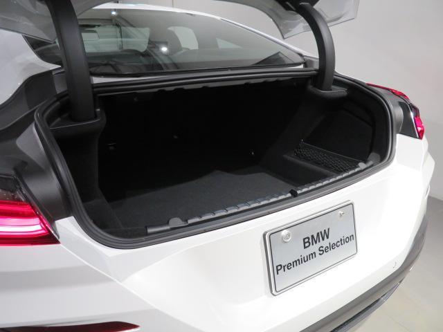 M850i xDriveクーペ 当社デモカー V8 4400ccエンジン ナイトビジョン B&Wサウンド 純正20インチアロイホイール レーザーライト xDrive(22枚目)