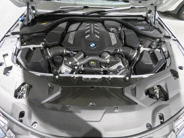 M850i xDriveクーペ 当社デモカー V8 4400ccエンジン ナイトビジョン B&Wサウンド 純正20インチアロイホイール レーザーライト xDrive(48枚目)