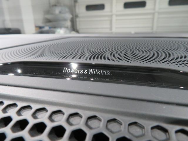 M850i xDriveクーペ 当社デモカー V8 4400ccエンジン ナイトビジョン B&Wサウンド 純正20インチアロイホイール レーザーライト xDrive(50枚目)