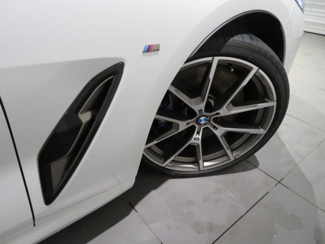 M850i xDriveクーペ 当社デモカー V8 4400ccエンジン ナイトビジョン B&Wサウンド 純正20インチアロイホイール レーザーライト xDrive(70枚目)