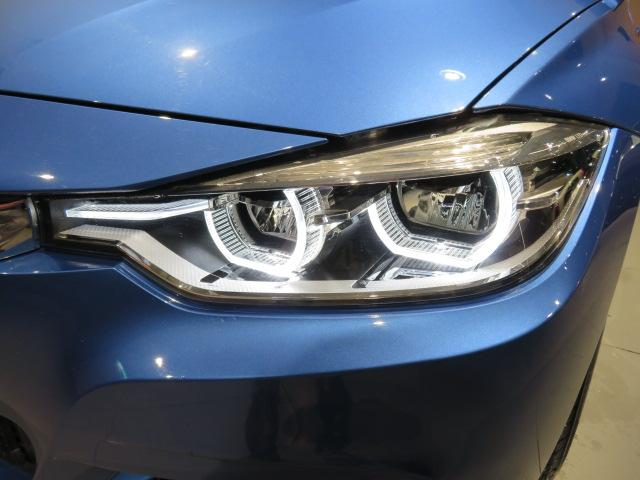 320i xDrive Mスポーツ 認定中古車 xDrive Mスポーツ限定色エストリルブルー 車線逸脱警告 衝突軽減ブレーキ 夏タイヤ有 リアビューカメラ リアセンサー(12枚目)