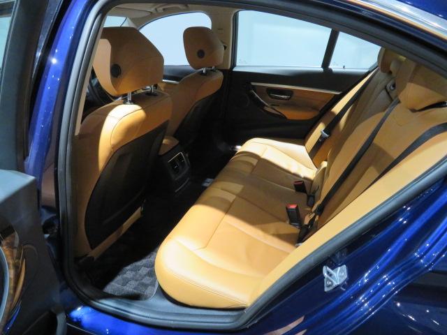 320i xDrive ラグジュアリー 認定中古車 2年保証 ワンオーナー luxury 前後PDCセンサー 純正前後ドライブレコーダー レザーシート シートヒーター スタッドレス装着中 純正夏タイヤホイールセット有(10枚目)