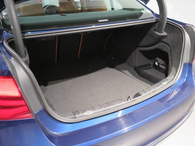 320i xDrive ラグジュアリー 認定中古車 2年保証 ワンオーナー luxury 前後PDCセンサー 純正前後ドライブレコーダー レザーシート シートヒーター スタッドレス装着中 純正夏タイヤホイールセット有(15枚目)