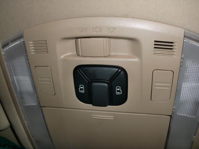 240S LTD 4WD 7人乗 道外使用車 1年保証付(8枚目)