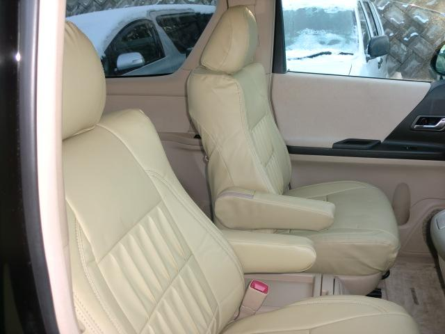 240S LTD 4WD 7人乗 道外使用車 1年保証付(11枚目)
