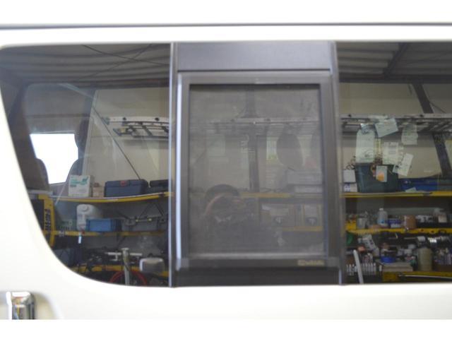 トヨタ レジアスエースバン ロングスーパーGL 社外ヘッドライト 4WD