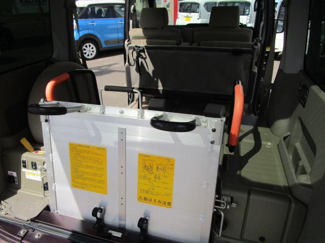スローパーリヤシート付仕様 4WD 車椅子送迎車 両側スライドドア オートエアコン CDチューナー キーレスエントリー エンジンスターター アルミホイール(28枚目)