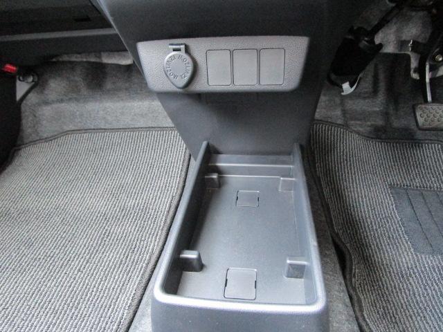 L SAIII 4WD スマートアシスト キーレスエントリー アイドリングストップ CDチューナー デジタルメーター 前後コーナーセンサー VSC(横滑り抑制機能)(23枚目)