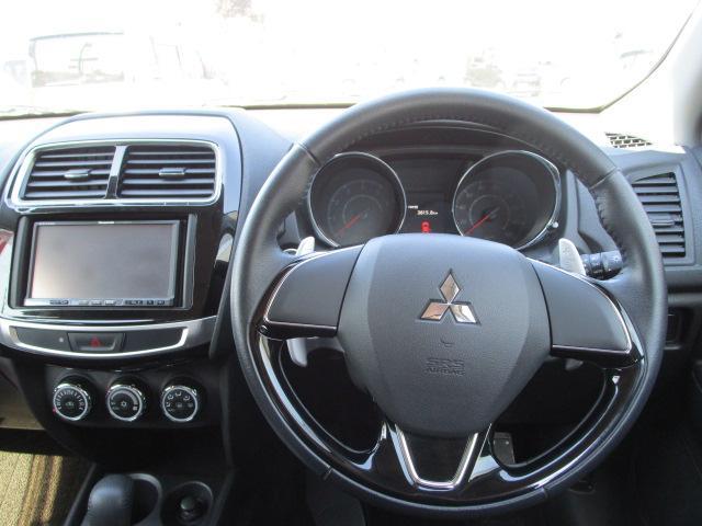 G 4WD HIDヘッドライト アルミホイール アイドリングストップ ASC(横滑り抑制機能) バックモニター機能つきカーナビ エンジンスターター スマートキー(16枚目)
