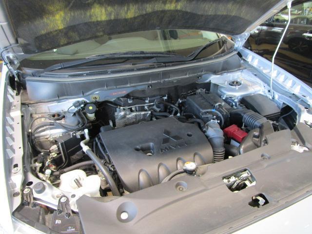 G 4WD HIDヘッドライト アルミホイール アイドリングストップ ASC(横滑り抑制機能) バックモニター機能つきカーナビ エンジンスターター スマートキー(17枚目)