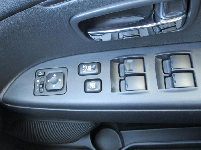 G 4WD HIDヘッドライト アルミホイール アイドリングストップ ASC(横滑り抑制機能) バックモニター機能つきカーナビ エンジンスターター スマートキー(27枚目)
