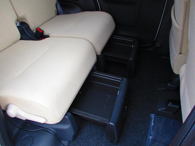 引き出し式の小物入れとして、または荷崩れしやすいエコバッグ等の専用の置き場所としても便利に使えます。