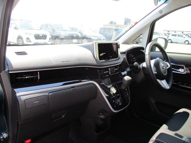 カスタム RS ハイパーリミテッドSAIII 4WD スマートアシスト ターボエンジン LEDヘッドライト LEDフォグランプ アイドリングストップ VSC(横滑り抑制機能) オートライト オーディオレス オートエアコン 運転席シートヒーター(10枚目)