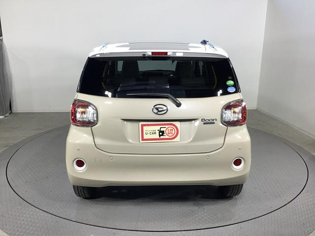 スタイル ホワイトリミテッド SAIII 4WD スマートアシスト LEDヘッドライト アイドリングストップ VSC(横滑り抑制機能) CDチューナー オートライト オートエアコン 運転席シートヒーター 前後コーナーセンサー プッシュスタート(6枚目)