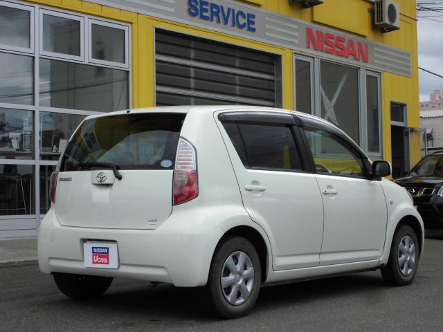 トヨタ パッソ X 助手席リフトアップシートタイプA