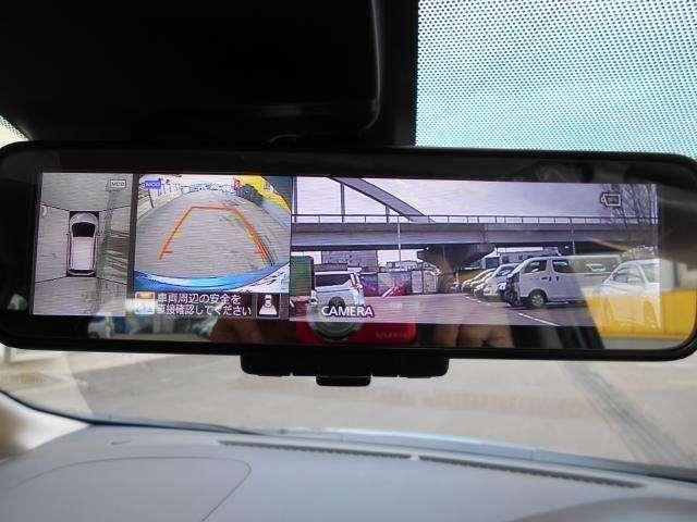 アラウンドビューモニター・スマートルームミラー搭載!  上空から見下ろしたかのような映像で車両の周囲を確認することが出来るので便利です♪