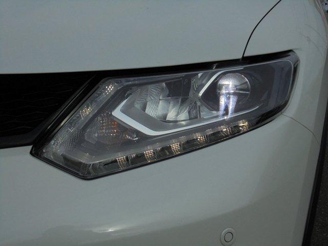 【LEDヘッドライト】夜の道を明るく照らしてくれるLEDランプ★通常のハロゲンランプよりも見やすく視界を確保してくれます(^v^)