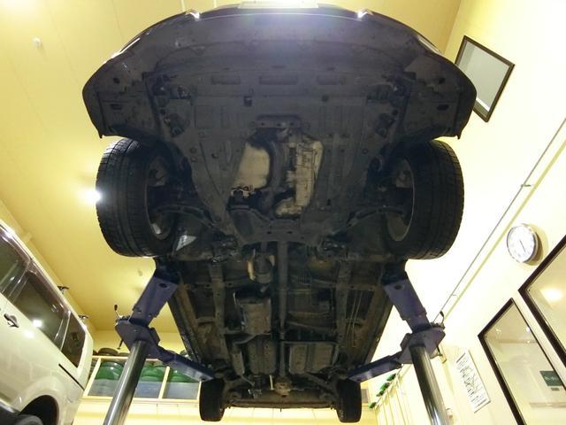 アブソルート 4WD あんしんパッケージ 3列8人乗り 両側パワスラ 夏冬タイヤ付き ハーフレザーシート LEDヘッドライト クルーズコントロール 純正エンジンスターター(7枚目)