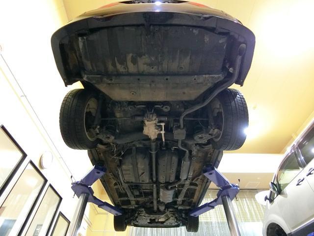 アブソルート 4WD あんしんパッケージ 3列8人乗り 両側パワスラ 夏冬タイヤ付き ハーフレザーシート LEDヘッドライト クルーズコントロール 純正エンジンスターター(8枚目)