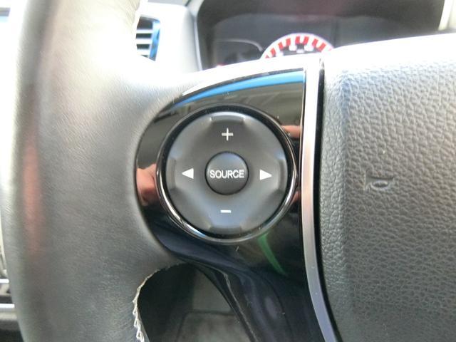 アブソルート 4WD あんしんパッケージ 3列8人乗り 両側パワスラ 夏冬タイヤ付き ハーフレザーシート LEDヘッドライト クルーズコントロール 純正エンジンスターター(16枚目)