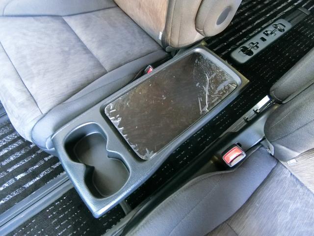 ZR 4WD ワンオーナー車 寒冷地仕様 3列7人乗り フリップダウンモニター コーナーセンサー 両側パワースライドドア クルーズコントロール 純正HDDナビ バックカメラ プッシュスタート ETC AFS(40枚目)