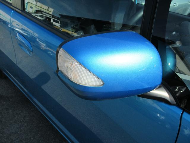 今や当たり前の装備となったウィンカー付きドアミラーです。視認性がよく安全です!ミラーヒーター!