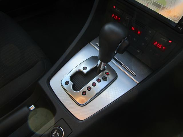 アウディ アウディ A4アバント 2.0TFSIクワトロ 4WD 6AT 純正HDDナビ