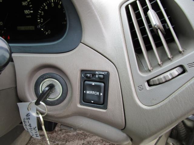 FOUR Gパッケージ パワーシート HID オートライト キーレス ミラーヒーター Fデアイサー(22枚目)