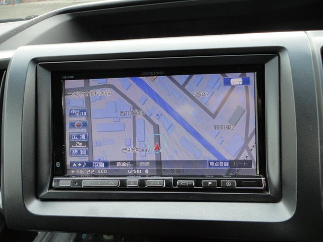 Z 4WD 外ナビDTV Bカメラ フリップダウンモニター スマートキー 新品17AWタイヤ 純正エアロ 純正HID 両側パワースライドドア ウインカーミラー 8人乗り 外Eスターター(9枚目)