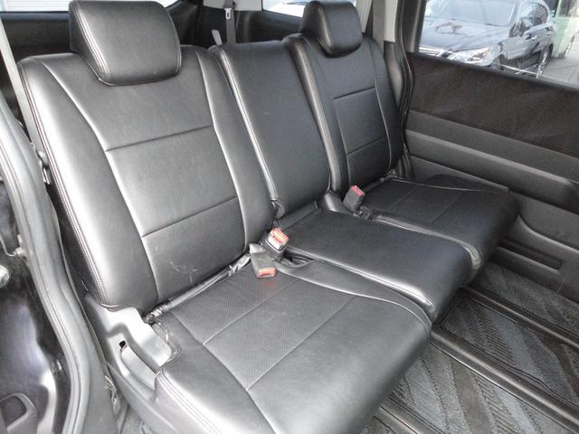 Z 4WD 外ナビDTV Bカメラ フリップダウンモニター スマートキー 新品17AWタイヤ 純正エアロ 純正HID 両側パワースライドドア ウインカーミラー 8人乗り 外Eスターター(14枚目)