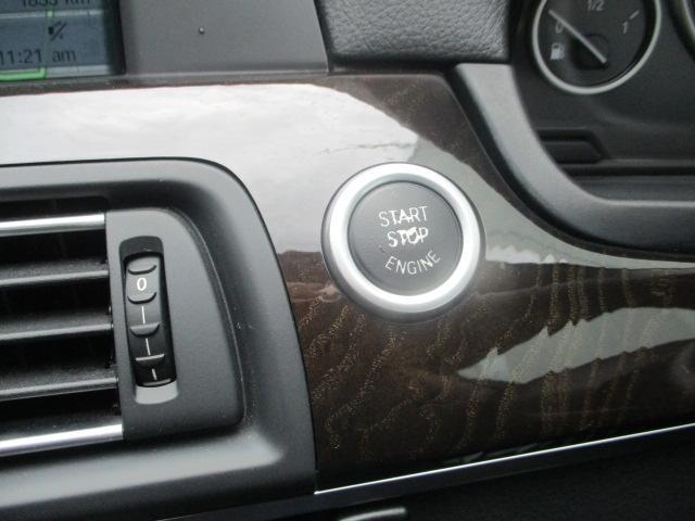 BMW BMW 528i 本革シート HDDナビ リアカメラ