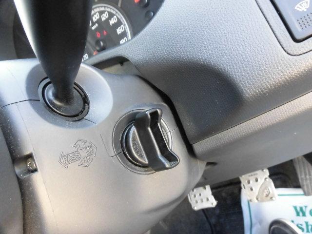 スズキ スイフト 1.3XG 4WD 5速マニュアル スマートキー