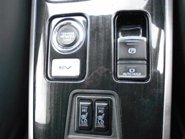 Gセーフティパッケージ 4WD ACコンセント 純正SDナビ(12枚目)