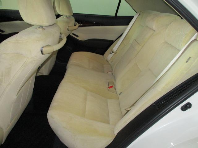 ロイヤルサルーンG Four 4WD LDA PCS BSM(5枚目)