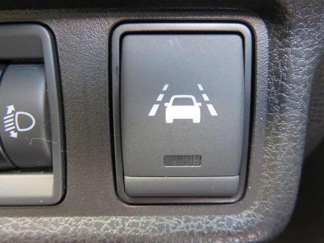 【車線逸脱警報】走行車線からの逸脱を警告してくれるLDWです。