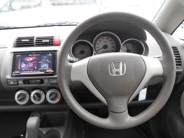 ホンダ フィット 1.3A 4WD 1年間走行距離無制限保証