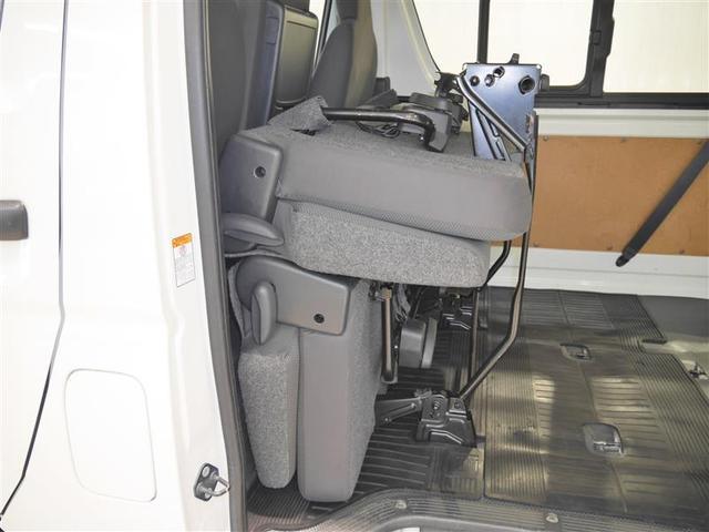 ロングDX 4WD メモリーナビ ミュージックプレイヤー接続可 バックカメラ ETC 乗車定員9人 3列シート ディーゼル(6枚目)