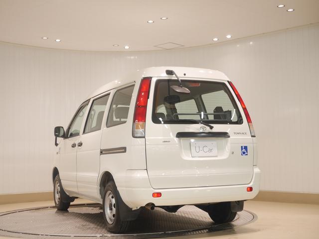 トヨタ タウンエースバン DX ウェルキャブ車イス仕様車リフトタイプ 4WD