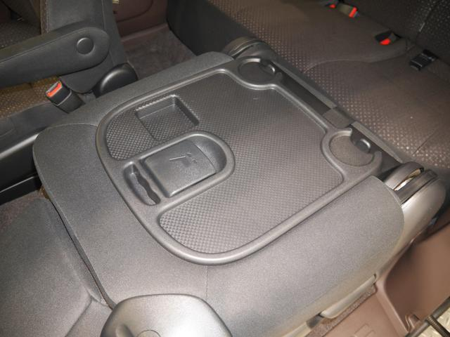 トヨタ スペイド F 4WD