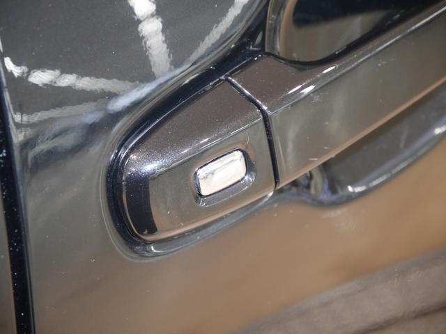 スマートキーを携帯していればワンタッチスイッチを押すだけでスライドドアの解錠&ドアオープン!買い物で手荷物を抱えているときなどに便利です♪