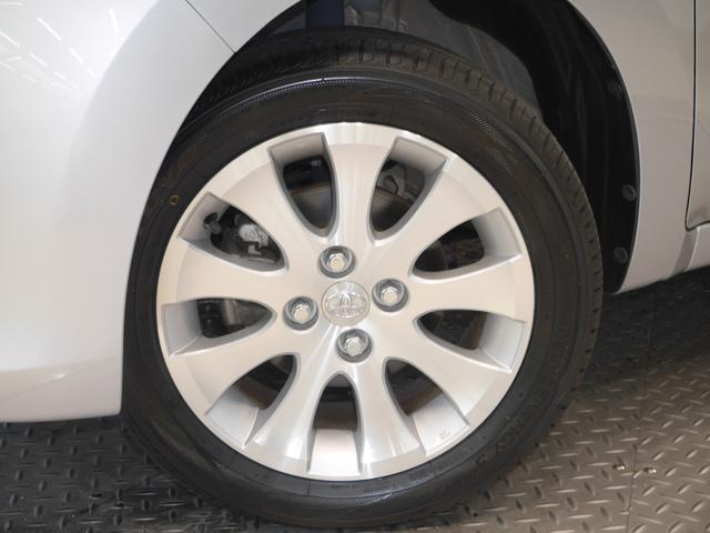 タイヤサイズは、185/55R15です