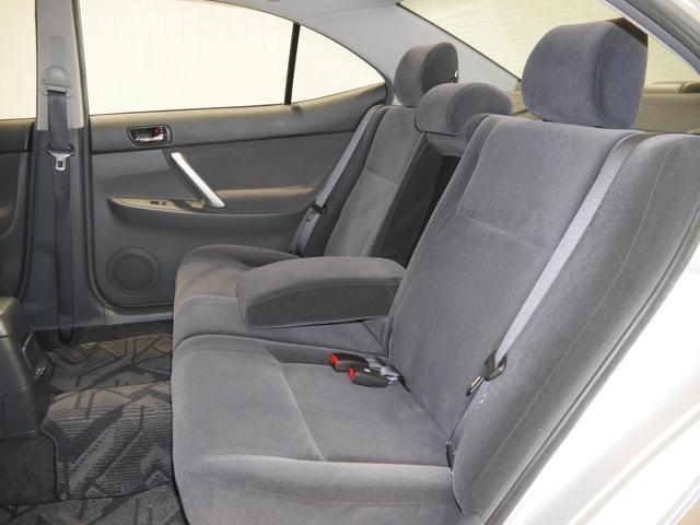 トヨタ アリオン A18 スタンダードパッケージ 4WD