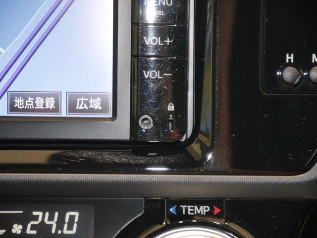 トヨタ アクア S FF