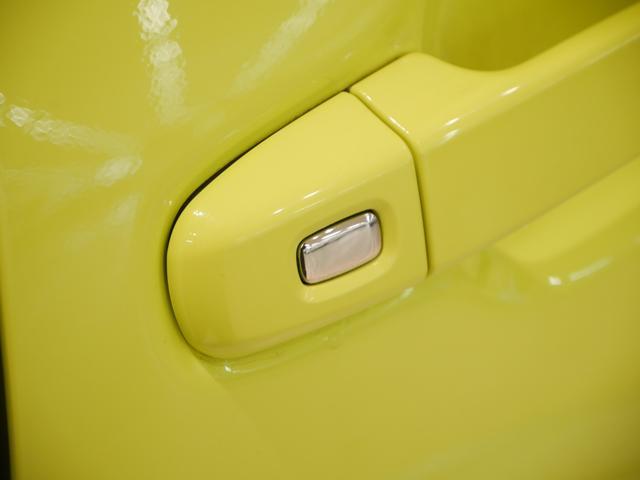 狭い場所での乗降りに便利な両側パワースライドドアですスマートキーを携帯していればワンタッチスイッチを押すだけでスライドドアの解錠&ドアオープン!